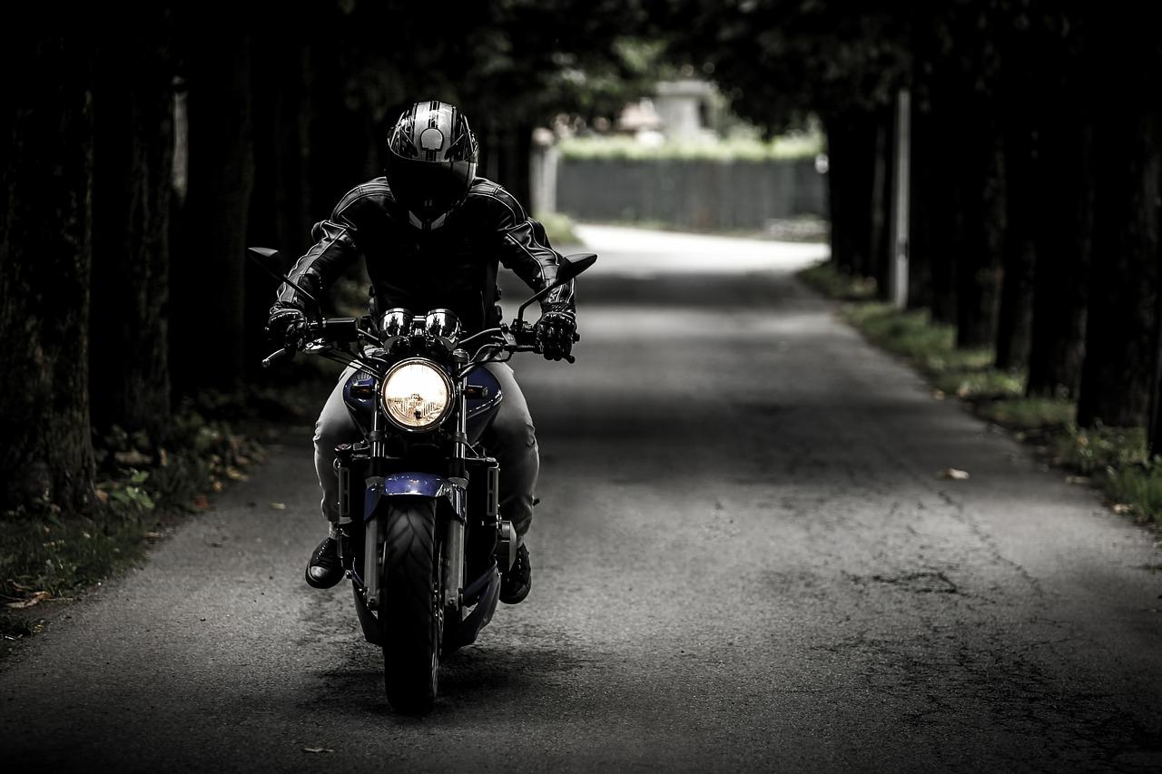 biker-407123_1280